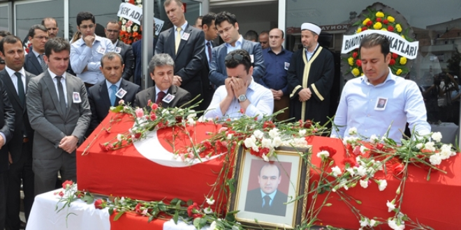 Turkey suspends dead prosecutor on coup charges
