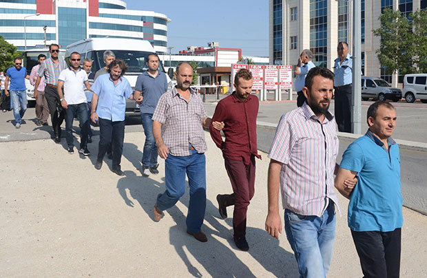 31 arrested in Konya in gov't witch hunt against Gülen movement