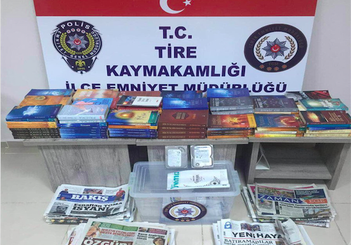 Critical dailies, books displayed as evidence of terror by Turkish police