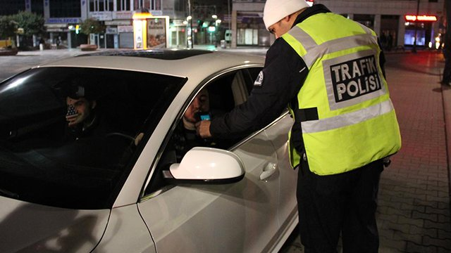 Driver accuses traffic cop of being Gulenist after caught drunk