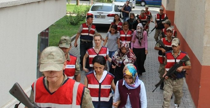 215 arrested, 295 others detained over alleged Gulen links on Monday
