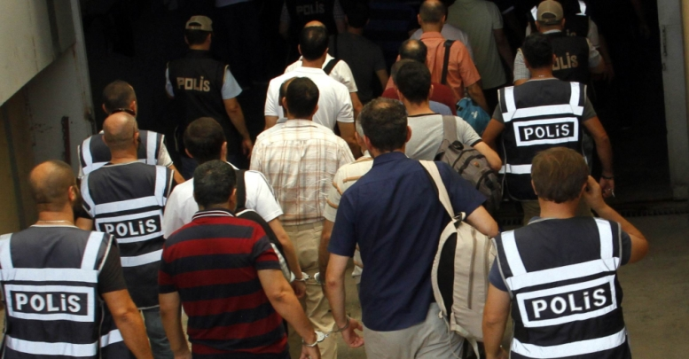 5,279 detained, 3,079 arrested in coup probes in Istanbul alone