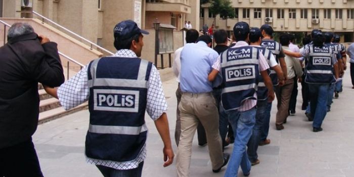 Police detain 76 in İzmir-based witch-hunt operation