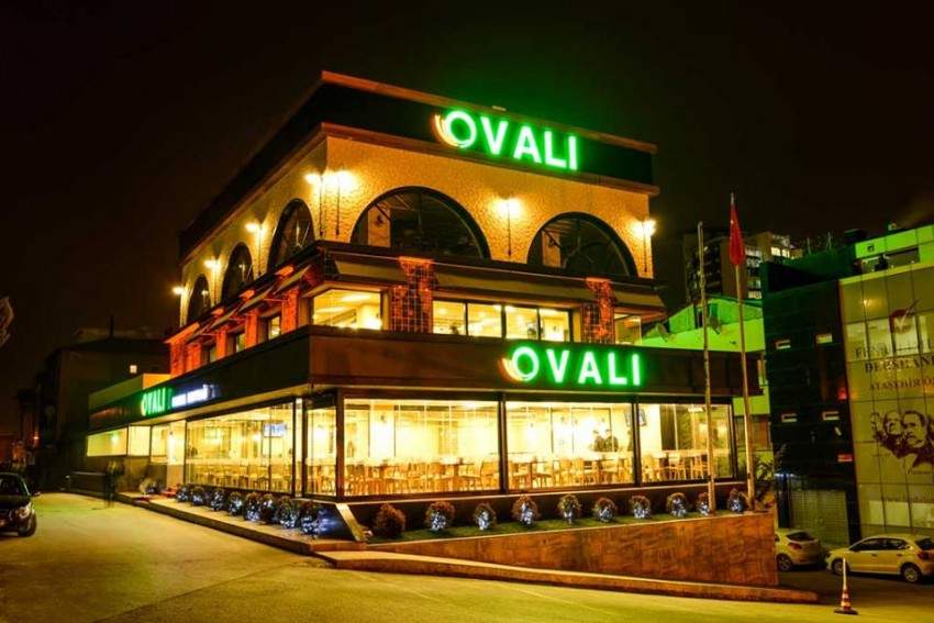 Owner of restaurant chain Ovalı arrested over coup charges