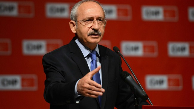 """Imprisonment of journalists unacceptable,"" says CHP leader"