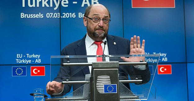 EP's Schulz says another red line crossed with detention of Cumhuriyet journalists