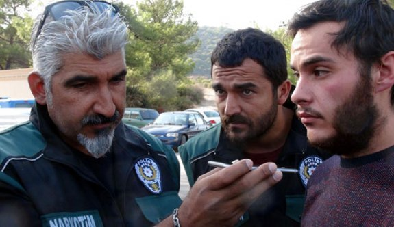 Turkish police take son hostage, make him ask father to surrender