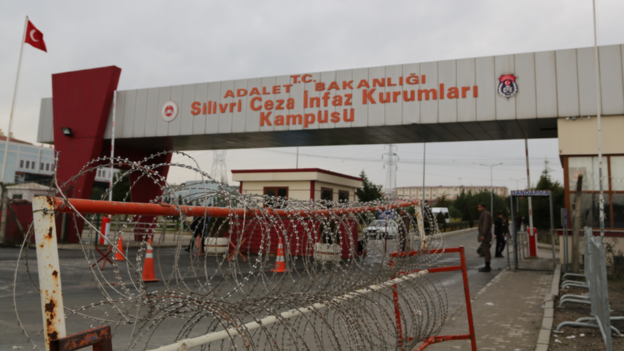 Kidney patient beaten up Silivri prison guards while talking on phone