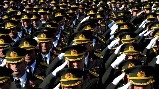 Turkey suspends 540 more military personnel over alleged coup link