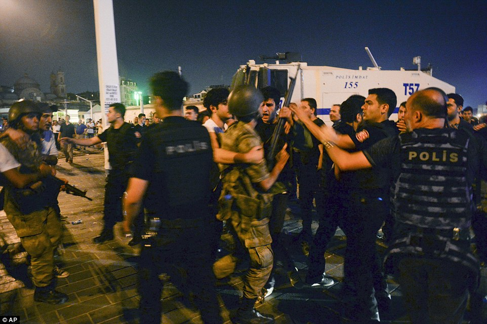 First coup indictment in İstanbul seeks sentences for 29 police officers