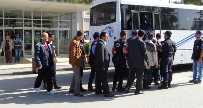 13 teachers detained, 27 others arrested in central Turkey over alleged coup link
