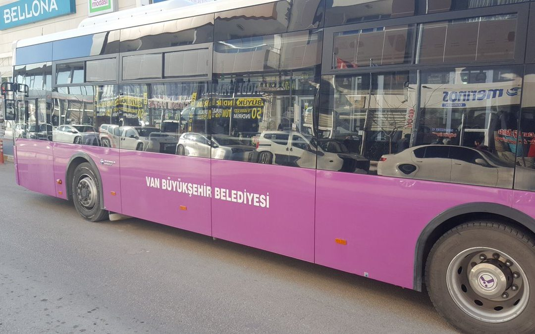 Gov't-backed Van Mayor removes Kurdish words from public busses