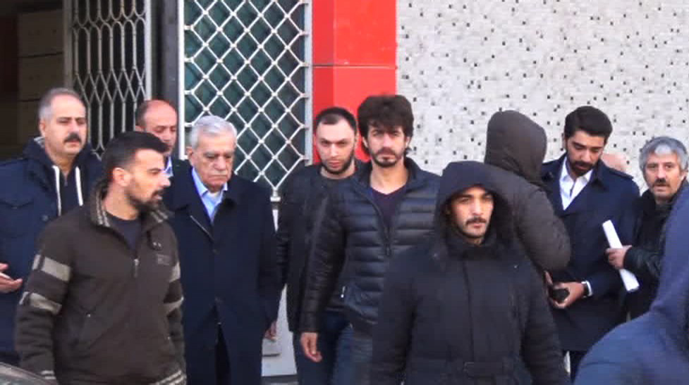 Turkish police detain Mardin Co-mayor Türk, Artuklu district mayor Irmak