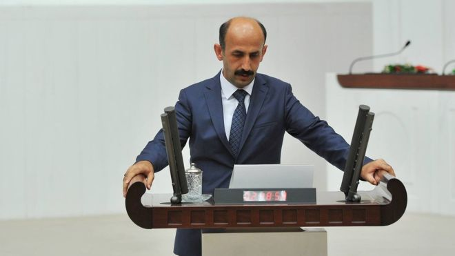 Turkey arrests another pro-Kurdish parliamentarian