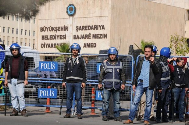 Gov't takes over administration of Diyarbakır Municipality after co-mayors arrested
