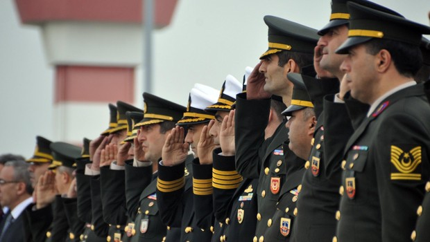 Turkey rounds up another 34 military personnel over coup charges