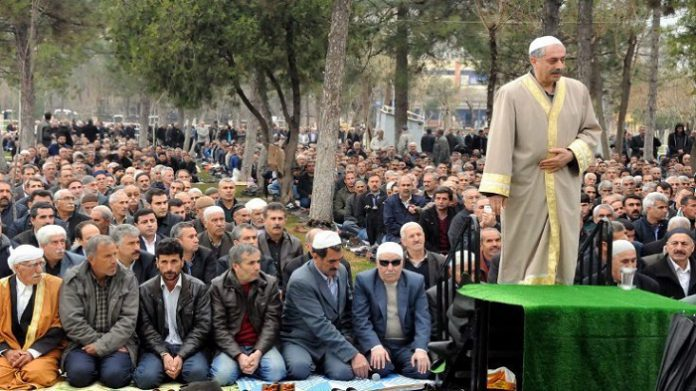 Mufti-turned HDP deputy detained for leading 'civilian prayers'