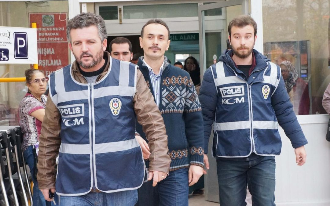 15 police officers detained over alleged coup involvement in Sakarya
