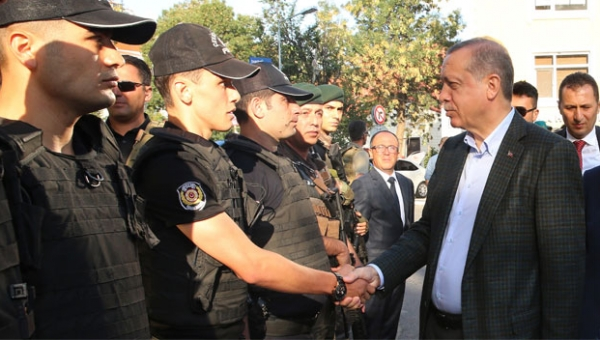 2 police officers get 10 months in prison on charges of insulting Erdoğan