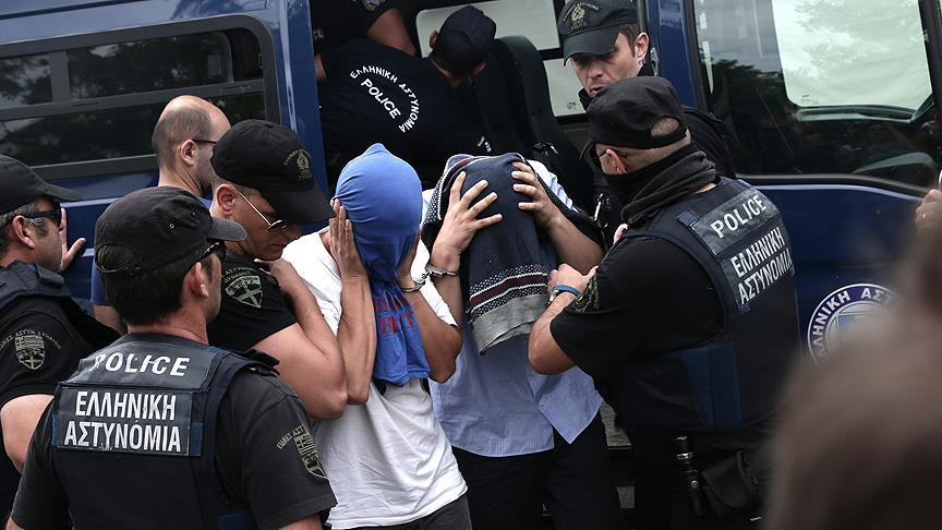 Greek prosecutor argues against extradition of Turkish soldiers