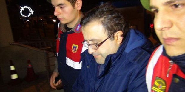 Engineering professor detained near Greek border while escaping witch hunt in Turkey