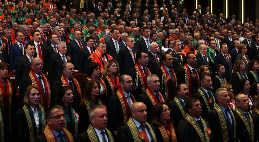 200 newly-appointed judges dismissed in latest gov't decree