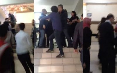 [VIDEO] Pro-gov't mob attacks naysayer columnist while voting