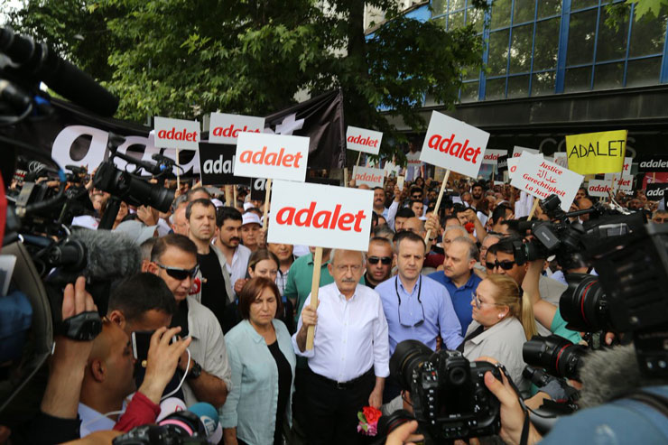 Erdoğan implies CHP chair Kılıçdaroğlu may be detained for inviting people to 'Justice March'