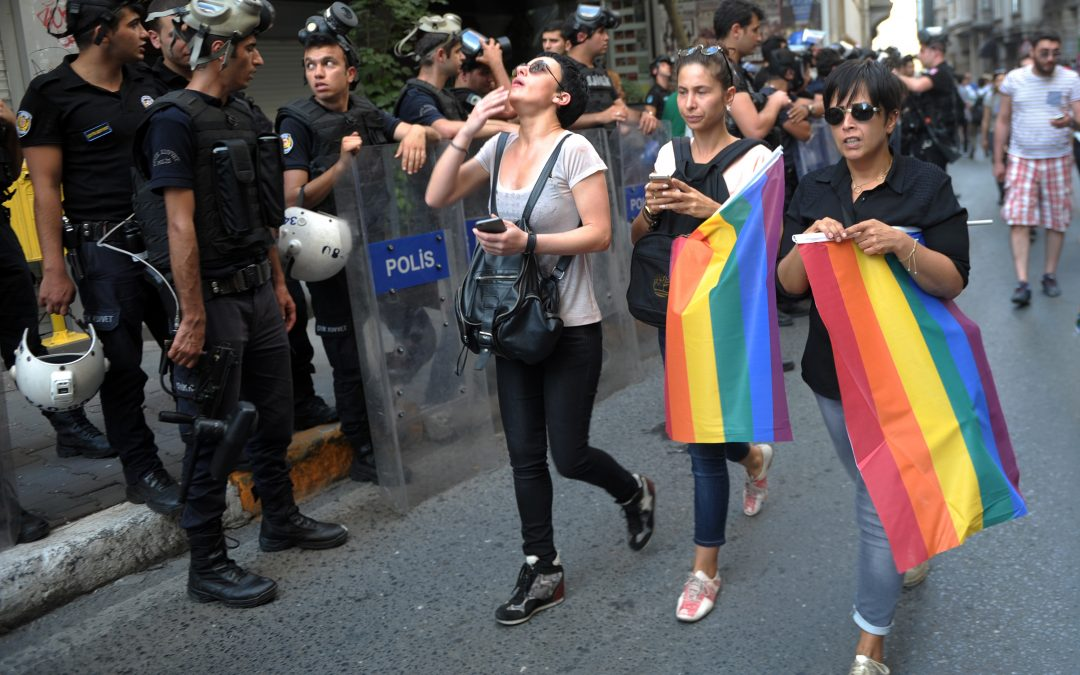 Istanbul governor bans LGBTI pride march
