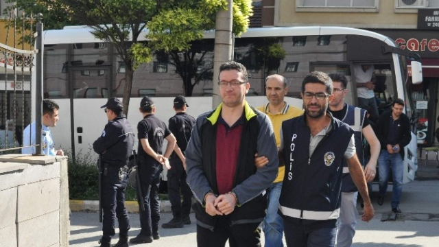 Turkey issues detention warrants for 189 lawyers over alleged coup involvement