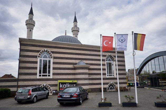 Belgium cancels Turkish mosque's recognition amid espionage claims