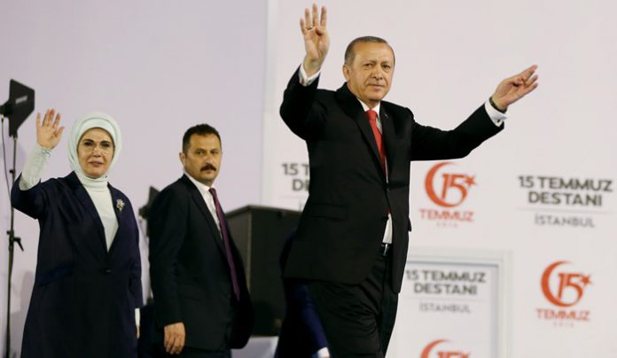 Erdoğan promises to cut off traitors' heads