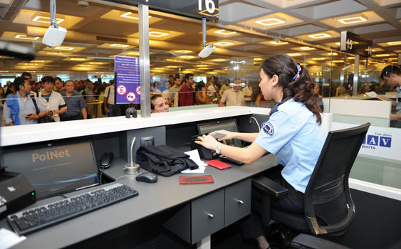 Turkish police seize 4,806 passports in one year at İstanbul airport: report