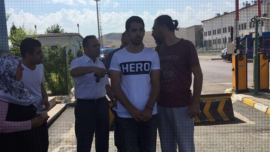 Two factory workers, waiter under custody for wearing 'hero' T-shirts