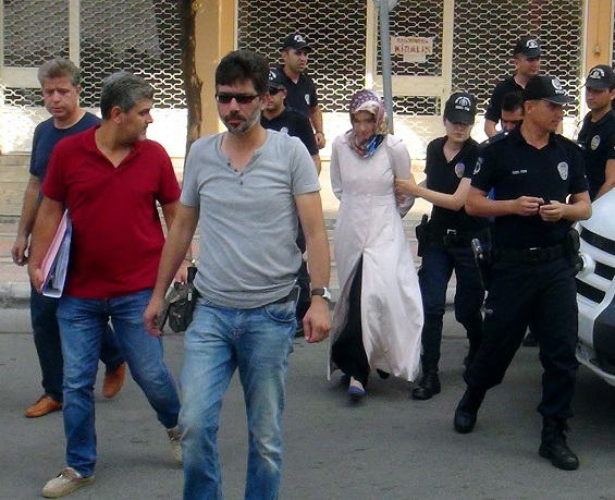 Izmir police round up Gülen's another relative