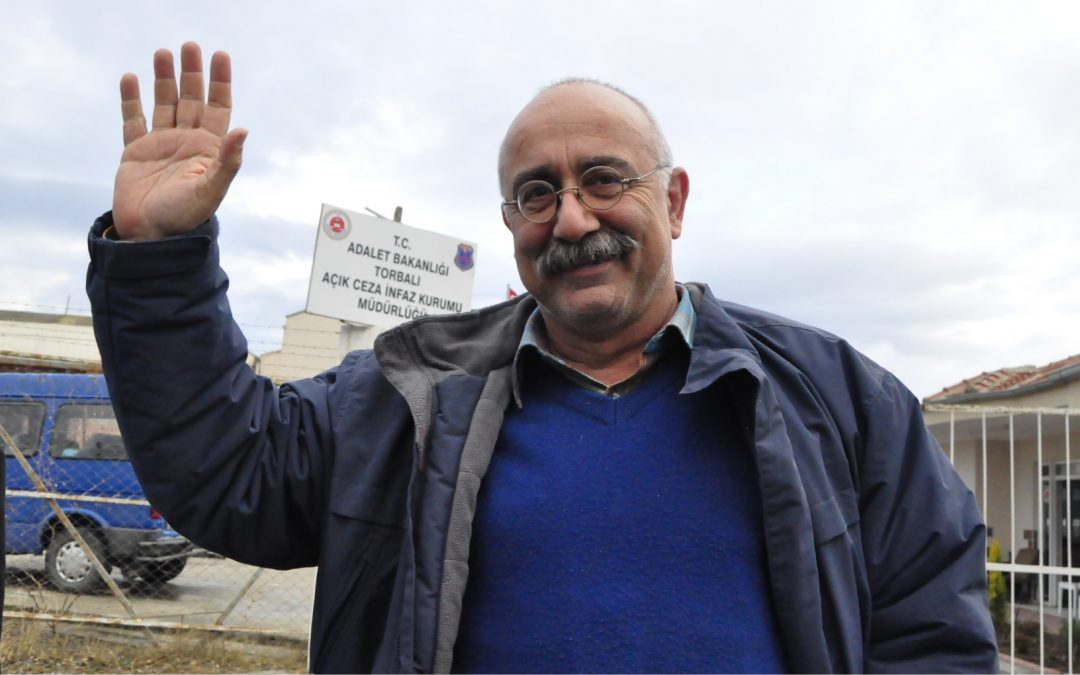 Turkish-Armenian intellectual who escaped from prison says gov't seized money at bank