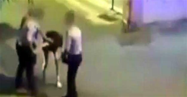 Report: Police officers batter two İzmir women for 'dressing up inconveniently'