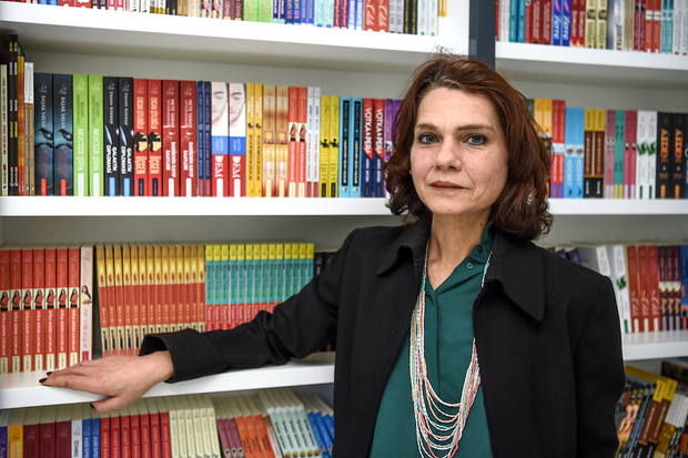 PEN Int'l urges Turkey to lift travel bans on author Aslı Erdoğan