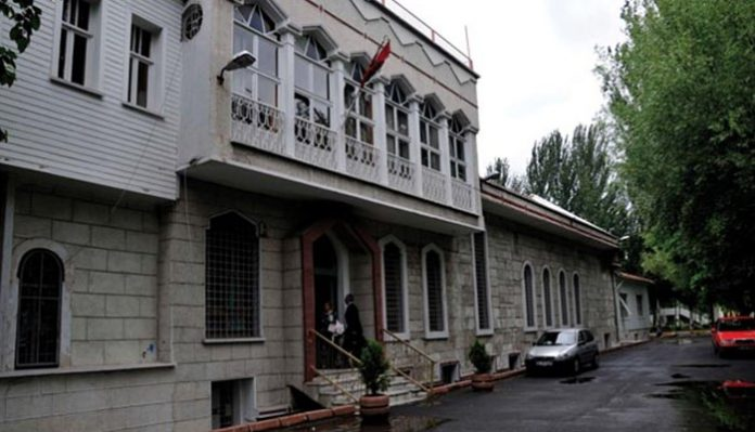 Armenians stoned, threatened with death while leaving Istanbul church: report