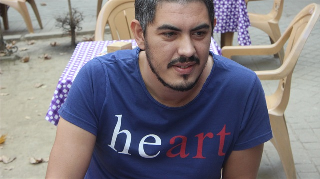 Man in 'heart' T-shirt briefly detained following false tip-off over 'hero' top
