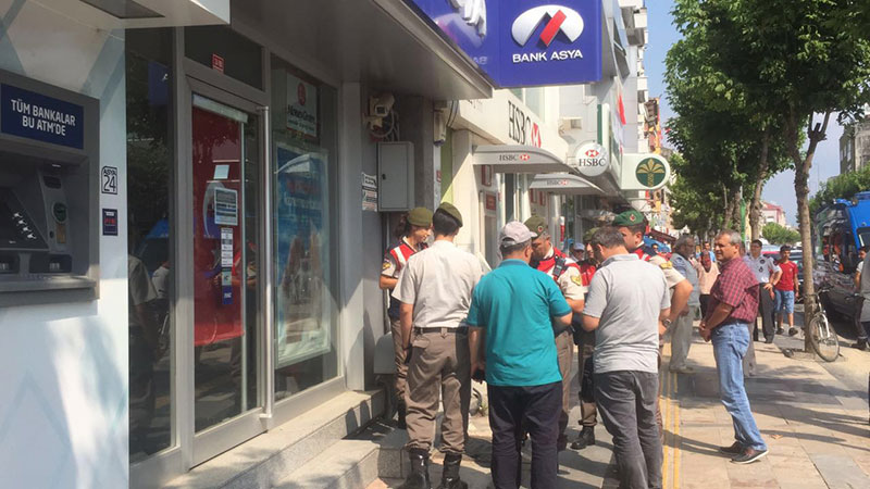 7 detained for putting money into Bank Asya after Dec 2013