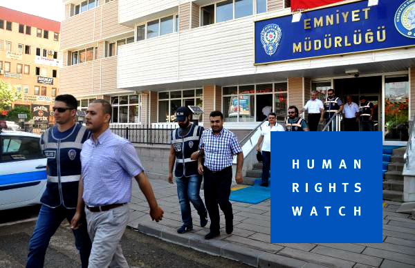 HRW: People being tortured, abducted in post-coup Turkey