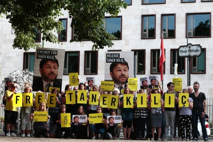 Amnesty's Taner Kılıç to remain in pre-trial detention following court decision