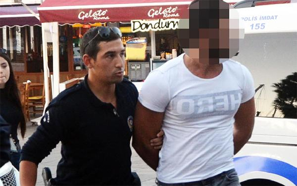 [VIDEO] Hotel receptionist detained for wearing 'hero' T-shirt