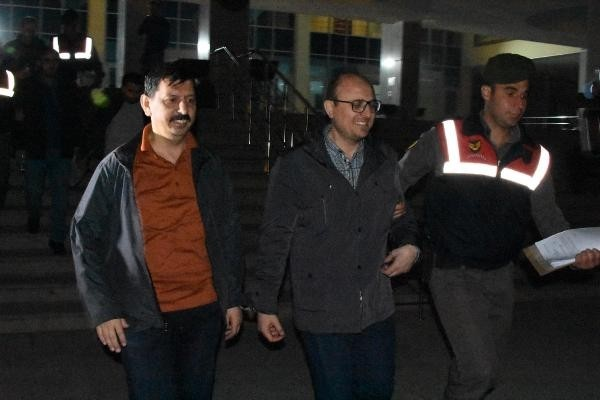 [VIDEO] 2 judges, removed from jobs in post-coup crackdown, detained while reportedly fleeing to Greece