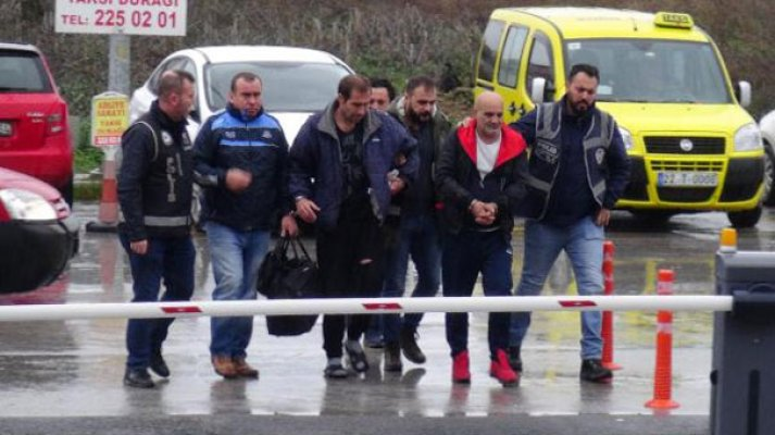 5 children, 6 others detained as trying to escape to Greece
