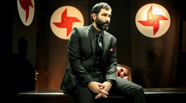 Izmit joins other municipalities to ban theatre play 'Just a Dictator'