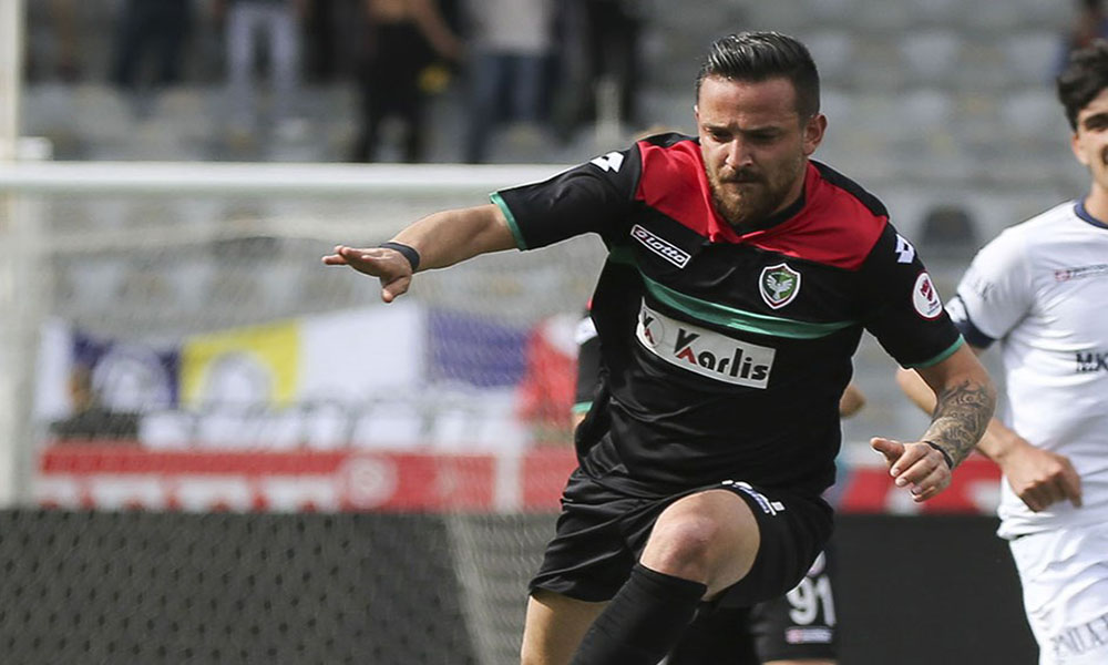 German-Kurdish footballer not returning to his team in Turkey over security concerns