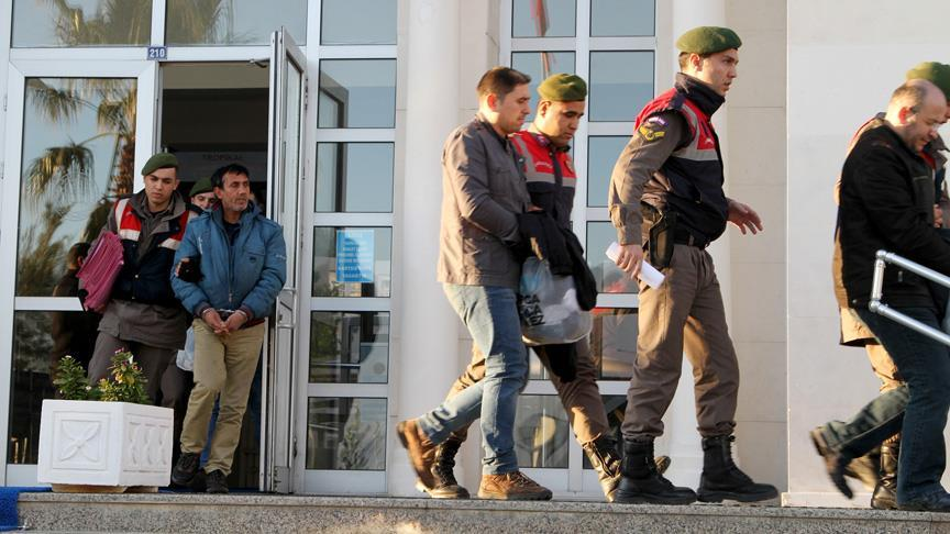 [VIDEO] 5 children, 8 others detained while on way to escape to Greece