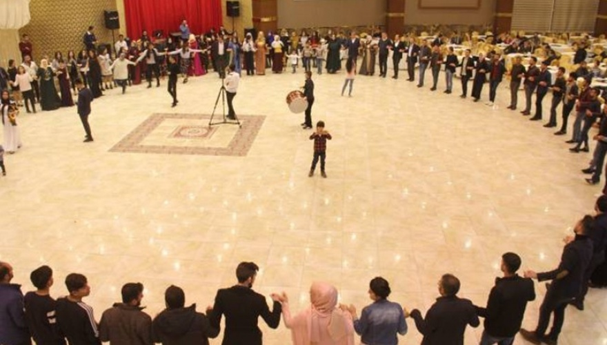 Wedding singers put in pretrial detention over songs in Kurdish language